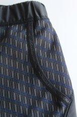 画像5: 【MORE SALE】and wander (アンドワンダー) double jacquard knit short pants [CHARCOAL] (5)