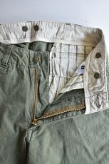 画像3: MASTER & Co. (マスターアンドコー) CHINO PANTS with BELT [OLIVE] (3)