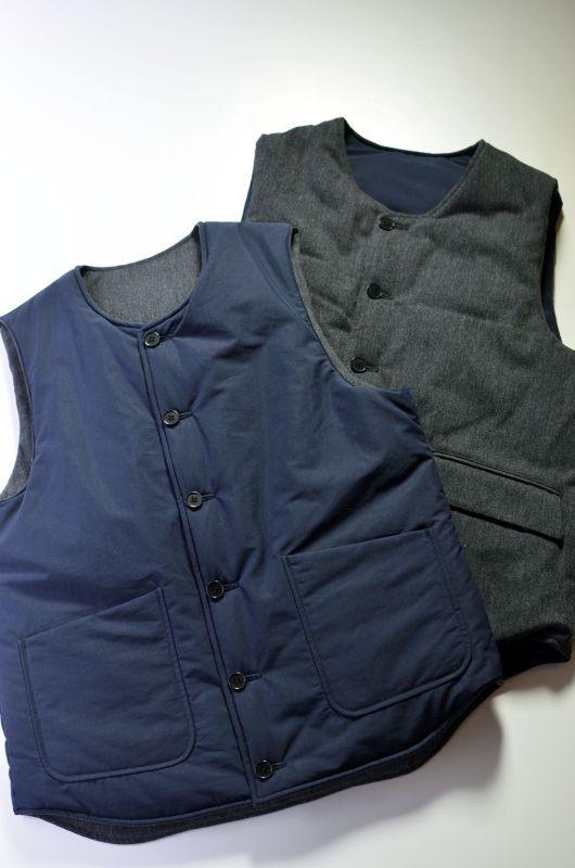 画像1: 【MORE SALE】A VONTADE (アボンタージ) Reversible Pack Vest [DK.NAVY/CHARCOAL] (1)